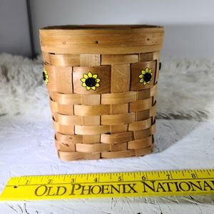 🌵Wooden Basket with Sunflowers 5/$30